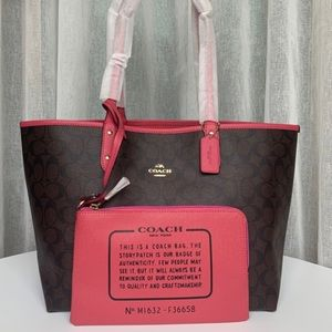 Reversible coach bag with cosmetic bag